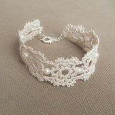 #wedding #jewellery - white crochet and beads so delicate and pretty  http://www.bargainweddingstore.com