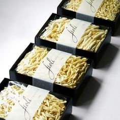 Pasta packaging shows the pasta mostly and packaging is black so the focus is on the pasta. The label is placed across the pasta and it's text is formal and cursive Food Packaging Design, Brand Packaging, Box Packaging, Coffee Packaging, Food Design, Design Design, Graphic Design, Café Bistro, Pasta Brands