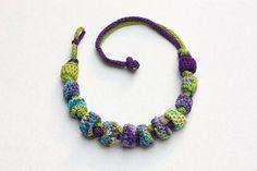 Etsy su https://www.etsy.com/it/listing/249365927/fiber-statement-necklace-in-green-purple