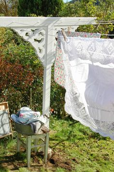 I want a clothesline that's this pretty!