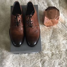 Alexander McQueen mens shoes NIB.. Alexander McQueen authentic men's Derby ombre toe shoes .. Never been worn .. Still in box ! Size men's euro 40 which In U.S. Size is a men's 7 !   it's such a beauty !  This shoe was made exclusively for Mr Porter website . Please use the offer button to make me offers , as I will not be negotiating in the comments . Thank you Alexander McQueen Shoes Oxfords & Derbys