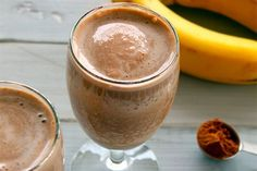Chocolate Peanut Butter Protein Smoothie is a great breakfast option when you need something quick and healthy!  #chocolate #peanutbutter #smoothie