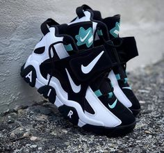Nike air trainer teal white black - Hook Tutorial and Ideas Cute Sneakers, Best Sneakers, Sneakers Fashion, Shoes Sneakers, Winter Sneakers, Shoes Jordans, Fashion Outfits, Sneakers Design, Black Jordans