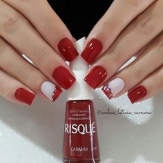 Best Christmas Nail Art Trending This Season Amazing red and white Christmas nails.Amazing red and white Christmas nails. Christmas Nail Designs, Christmas Nail Art, White Christmas, Christmas Makeup, Christmas Ideas, Xmas Nails, Holiday Nails, Valentine Nails, Halloween Nails