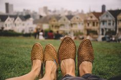 Meet Mohinders, an amazing ethical slipper(shoe) brand created by a lawyer turned Social Entrepreneur. By partnering with an NGO in a small village in India, Mohinders is able to offer 2nd and 3rd generation artisans an opportunity to break the cycle of poverty while also honoring a traditional design process.