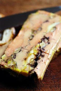 Foie gras au Comté et aux noix