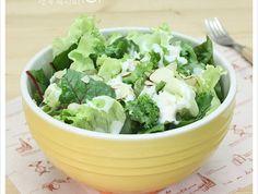 소스가 너무 맛있어요~~ 바나나요구르트샐러드 Salad Sauce, Tasty, Yummy Food, Cafe Menu, Korean Food, Korean Recipes, Food Menu, Kimchi, No Cook Meals