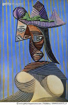 파카소의 '모자 쓴 여자' PICASSO: WOMAN WITH HAT. /n'Bust of a Woman with a Striped Hat. Oil on canvas by Pablo Picasso, 1911.  #게티이미지코리아 #gettyimageskorea #게티이미지  #스트라이프 #1939년 #fineart #피카소 #미술 #프랑스미술 #입체파 #컬러풀 #페인팅하기 #포트레이트 #흉상 #파블로피카소 #Stripe #영감 #갤러리 #디자이너 #사진 #photo #stockphoto