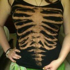 Completed Project: Bleach Print Skeleton Shirt Picture Hipp for zombie walk? Bleach Pen, Bleach Shirts, Bleach Clothes, Bleach Hoodie, Rotulação Vintage, Skeleton Shirt, Skeleton Costumes, Shirt Tutorial, Do It Yourself Fashion
