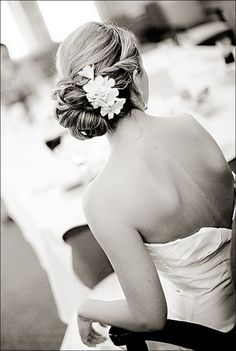 Elegant Wedding Updos For Long Hair and Short Hair