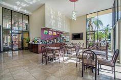 World Hotel Finder - Comfort Inn & Suites Tropicana Field Saint Petersburg