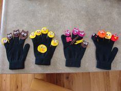 Story gloves (Goldilocks, 5 little ducks, 3 little pigs and the little red hen)