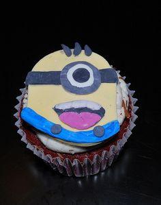 For Despicable me movie: Despicable Me Minion Cupcake