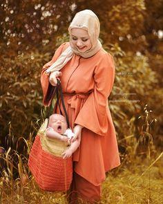 h so cute 🧡🧡 Hijabs, Modest Fashion, Bellisima, Happy Life, Cute Kids, Muslim, Daughter, Mom, Shirts