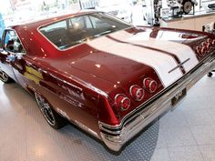 1965 Chevrolet Impala Pictures: See 130 pics for 1965 Chevrolet Impala. Browse interior and exterior photos for 1965 Chevrolet Impala. Chevrolet Impala 1965, Chevy Impala Ss, Chevrolet Caprice, Chevrolet Bel Air, Custom Muscle Cars, Chevy Muscle Cars, American Muscle Cars, Hot Cars, Classic Cars