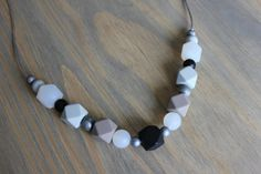 Silicone chew necklace / chew beads / nursing necklace / teething necklace / bead necklace / baby shower gift / mommy necklace / teether