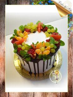 Cake Decorating Amazing, Caramel Pears, Fresh Fruit Cake, Bithday Cake, Pear Cake, Cake Online, Pudding Desserts, Crazy Cakes, Naha