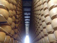 Overwhelming! #Italian #cheese #ParmigianoReggiano - a unique taste needs a #unique #haydrying #technology ! AgriCompact Technology GmbH - Energy & Technology, Germany - www.haydryers.com
