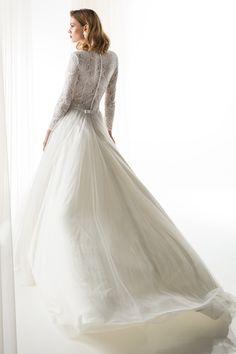 #JIOULI_Bridal  2019 s/s Collection #bridal #bridal_wear #marriage #bride #wedding #wedding_dress www.Jiouli.com Bridal Collection, Marriage, Bride, Boho, Wedding Dresses, Fashion, Rosa Clara, Perfect Boyfriend, Brides