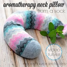 DIY Aromatherapy Neck Pillow from a sock. Natural ingredients and easy to make neck pillow. [VIDEO] DIY Aromatherapy Neck Pillow - Watch this video to learn how to make this healing pillow. Sewing Projects, Craft Projects, Projects To Try, Homemade Gifts, Diy Gifts, Halloween Displays, Neck Pillow, Dollar Stores, Diy And Crafts