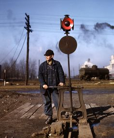"""February """"Daniel Senise throwing a switch in an Indiana Harbor Belt Line railyard."""" Kodachrome transparency by Jack Delano. Shorpy Historical Photos, Railroad Pictures, Railroad History, Old Trains, Vintage Trains, Thats The Way, Steam Locomotive, Train Tracks, Trains"""