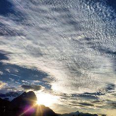 Sonnenuntergang nach einem föhnigen Herbsttag [07/11/13] #nature_obsession_sunsets #bd #bdphotoshare #ig_deutschland #bpd_ #jj_daily #live_planet #cool_capture #pro_shots_ #colorindooinstagram #ig_europe #world_shotz #igworldclub #magic_photography #mybest_shot #hdr_pics #super_shotz #special_shots #big_shotz #around_theworld #nature_perfection #garmisch #partenkirchen #rsa_nature #insta_international #natureelite #instaparadise #Padgram