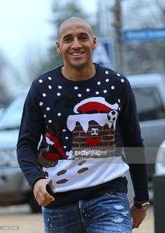 Wabi Khazri arrives during a visit to Durham University Hospital by Sunderland AFC players on December 19, 2016 in Sunderland, England.