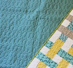 I love Cluck Cluck Sew's quilting, it's perfect.  I want to quilt all my quilts with this loopy design.