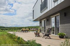 The result is nothing short of stunning: a tribute to modern style in a natural environment. Thanks to our high-quality siding. Find out more in our portfolio Wood Siding, Green Nature, Ontario, Environment, Middle, Metallic, Profile, Ocean, Natural