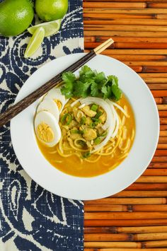 Ohn No Kauk Swe (Burmese Chicken Coconut Noodle Soup)