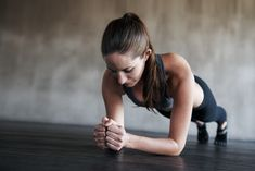 The At-Home Abs Workout That Will Fire Up Your Entire Core Fitness goals are achieved not given<br> Tempted to skip a workout because you're short on time? You'll need a new excuse. Fitness Workouts, Sport Fitness, Ab Workouts, Yoga Fitness, Fitness Goals, Fitness Tips, Health Fitness, Fitness Plan, Physical Fitness
