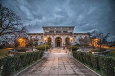 Photographer Kris Catherine gives an exclusive look inside the opulent mansions of Elkins Estate Old Mansions, Mansions For Sale, Abandoned Mansions, Abandoned Places, Historical Architecture, Architecture Details, American Mansions, Mansion Designs, Retreat House