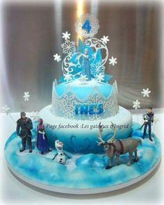 Frozen sugarveil cake fondant