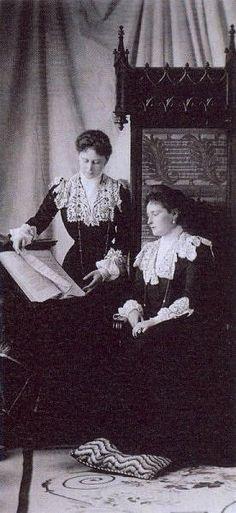 Grand Duchess Elizavetta and her sister Empress Alexandra