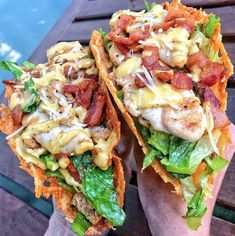 📝INGREDIENTS⠀ Taco Filling: 4 chicken tenders OR 1 skinless, boneless chicken breast cut into 4 strips lb chopped bacon 2 cups chopped romaine lettuce 2 tbsp garlic powder⠀ Taco Shells: 2 cups shredded parmesan cheese⠀ Chicken Ceasar Salad, Caesar Salad, Salad Recipes, Diet Recipes, Healthy Recipes, Dessert Recipes, Skinny Recipes, Diet Meals, Delicious Recipes