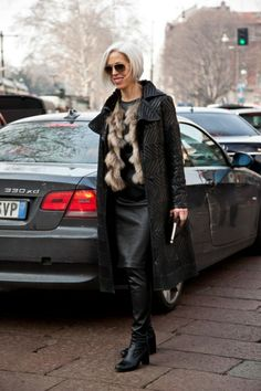 We need more shots of real fashionista like LInda Fargo. Chic and fabulous dot com. Photos: Best-Dressed Street Style at Milan Fashion Week Fall 2013 Fashion For Women Over 40, Back To Black, Vanity Fair, Leather Fashion, Street Style, Street Chic, Style Icons, Sexy, Nice Dresses