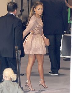378b3ec7ca7d Jennifer Lopez looked super stylish and ultra feminine in her pink ensemble Jennifer  Lopez Love