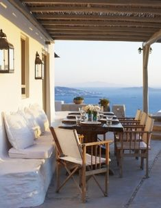 Outdoor dining with built-in seats