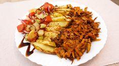 Fâșii de ciuperci pleurotus (Pulled pork) cu cartofi la cuptor - Pofte alese Pulled Pork, Risotto, Main Dishes, Vegetarian Recipes, Food And Drink, Ethnic Recipes, Sweet, Salads, Shredded Pork