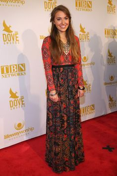 Lauren Daigle Photos - Lauren Daigle attends the Annual GMA Dove Awards at Allen Arena, Lipscomb University on October 2015 in Nashville, Tennessee. Christian Music Artists, Christian Singers, Lauren Diagle, Taya Smith, Cool Style, My Style, Celebs, Celebrities, Boho Chic
