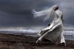 wedding picture, photography, Dutch beach, bride