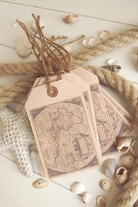 Vintage map tags by Blanc & Caramel