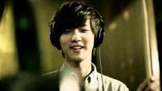 Kang Min Hyuk  Baterista, Cantante, MC, Actor y Modelo. Fecha de Nacimiento: 28-Junio-1991  (22 Años) nacio: Seúl, Corea del Sur. Estatura: 185cm Signo del Zodiaco: Cáncer Compañía: FNC Entertainment.