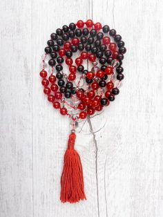 If you dream about a snake it often represents a time of change and challenge. The Snake mala perfectly suits, as it is deeply grounded within the root chakra and symbolises new beginnings and nurture