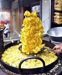 Banana Chips from Kerala Hindu Food, Banana Chips, Kerala, Indian Food Recipes, Coconut Oil, Spicy, Snacks, Gd, Cooking