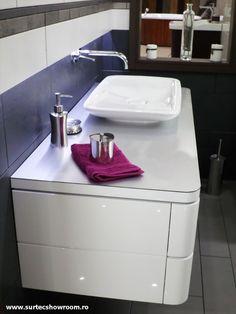 Lavoar, consola: Duravit Pura Vida Duravit, Vanity, Bathroom, Pura Vida, Dressing Tables, Washroom, Powder Room, Vanity Set, Full Bath