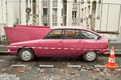 Michel Gondry funny and weird cars for his new movie
