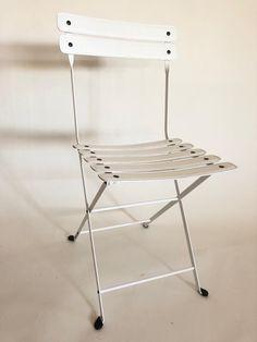 Bianco assoluto per la sedia pieghevole Folding Chair, Furniture, Design, Home Decor, Bicycles, Decoration Home, Room Decor, Home Furnishings
