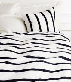striped bed