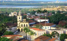 Com construções do século 16 ao 19, o Centro Histórico de João Pessoa pode ser conhecido a pé e em uma tarde. Entre as atrações há o Theatro Santa Roza (1889), um dos mais antigos do país
